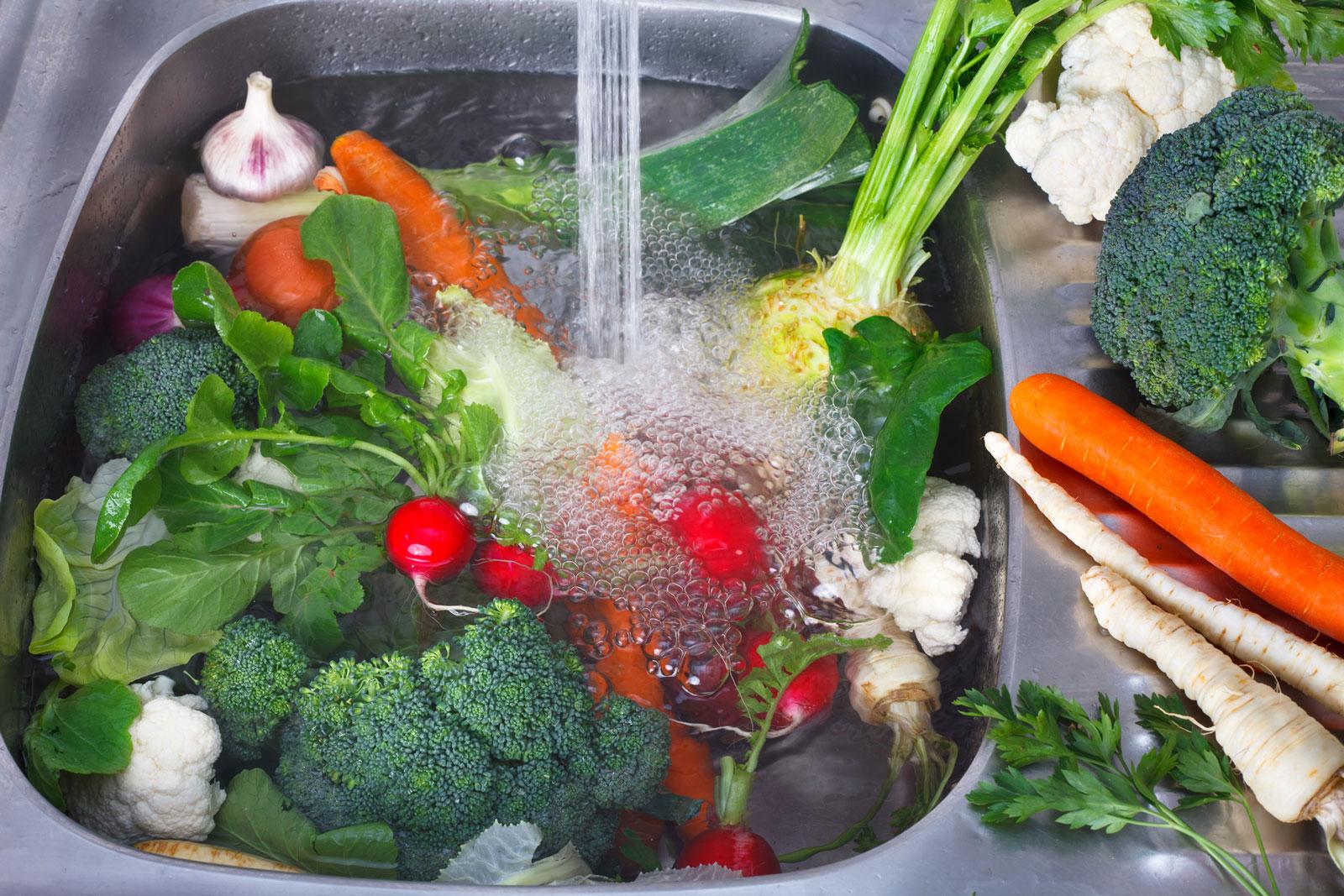 شستشو و ضدعفونی سبزیجات